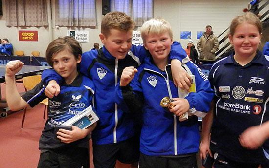 JENTER/GUTTER 11: Tom Kühle-Gotovac (fra venstre), Jesper Grua, Aksel B. Sandin og Renate H. Ødegård.