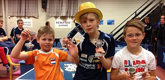 GUTTER 11: Klubbmester Eivind Nygård flankeres av Martin Jensen (t.v.) og Nils K. Solberg.