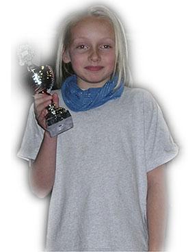 FAIR PLAY-PRINSESSE: Andrine Lossius vant den aller første Fair Play-premien som ble utdelt i Jevnaker Bordtennishall. Utmerkelsen ble tildelt JBTK-spilleren under kretsmesterskapet 15. desember 2007.