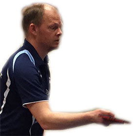 SJEFEN: Olof er sponsor, lagleder og spiller.