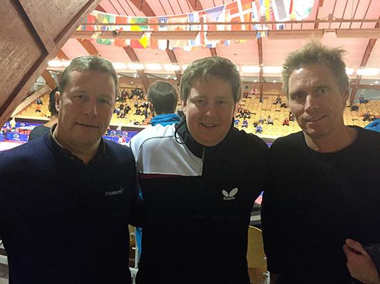 SUPERTRIO: JBTKs ivrigste spiller Lars Torp flankert av legendene Jan-Ove Waldner (t.v.) og Jörgen Persson.