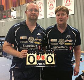 TILSKUERE: Thomas og Lars var deltakere utenfor Stockholm i fjor. Nå inntar duoen tribuneplass for å se og lære av de beste i verden.