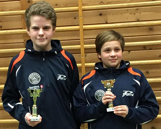 SAMARBEID: Daniel F. Grefsrud og Jonas Jensen tok en flott 3. plass i Yngre double.