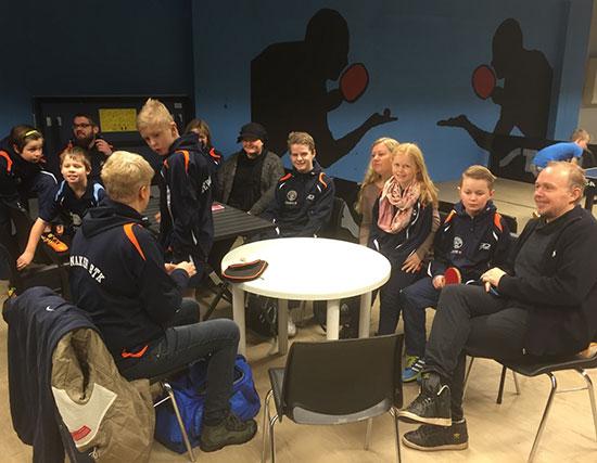 STOR TROPP: JBTK-gjengen samlet før turneringsstart. (FOTO: Per G. Nygård)