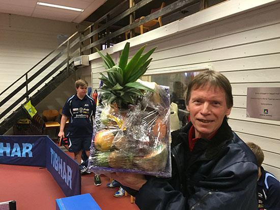FAIR PLAY 2: Bjørn Erik Wibe har vært med i mange år og oppfører seg alltid sportslig. I dag fikk han Fair Play-premien blant de voksne deltakerne. (Foto: Thomas Møller)