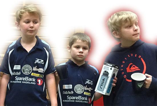 UNGE NYBEGYNNERE: Petter, Martin og Eivind kjemper om gullet i nybegynnerklassen, der de også får voksen motstand.