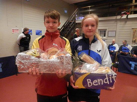 FAIR-PLAYERS: Asgeir Snyen og Ida Tvervaag ble valgt ut som sportslige forbilder.