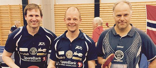 GULLGUTTENE: Terje Herting, Olof Götestam og Anton Hoel vant Herrer 35 lag i fjorårets NM.