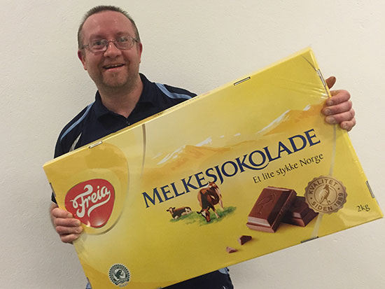 REGIONSMESTER: Thomas Møller vant Herrer B og ble premiert med to kilo sjokolade. (Foto: Jakob Løvstad).
