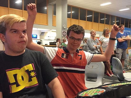 UNGDOMSMESTER: Fredrik Wilkens vant ungdomsklassen med sin serie som var to poeng bedre enn toer Thomas Moen sin beste.