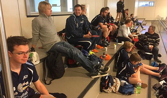 JBTK-LEIREN: Noen utøvere og noen supportere. JBTK var representert med nærmere 30 personer i dag. (Foto: Lene Jensen)
