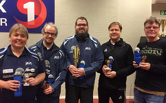 FORELDRE: Lene Jensen (f.v.), Lars Jensen, kretsmester Leif Jensen, Pål Syse og Bjørn F. Egelandsdal deltok.