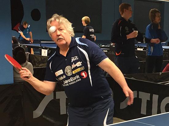 STØ(A) VETERAN: Erik Støa sesongdebuterte med stil og nådde semifinalen i Herrer C!