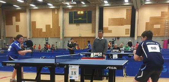 SEIEREN: Jonas vant 3-1 mot Eilef H. Simones i siste puljekamp. (Foto: Lene Jensen)
