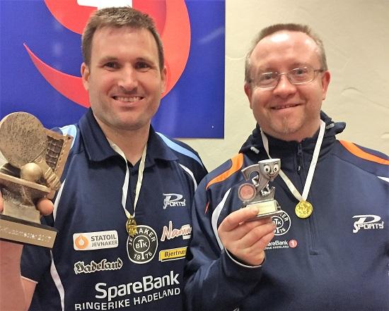 HERRER ÅPEN: Terje (t.v.) og Thomas. Ek og Erik hadde reist da bildet ble tatt. (Foto: Lene Jensen)