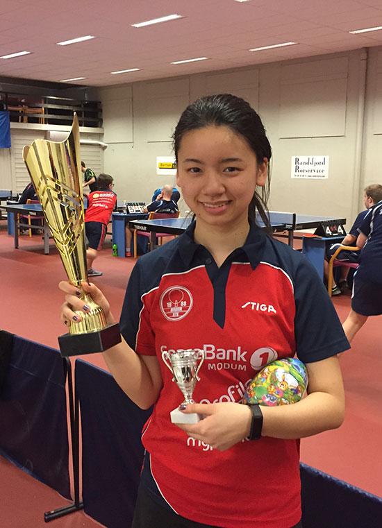 DAMENES POKAL: Wanjing Li var eneste - og følgelig beste - jente-/damedeltaker.
