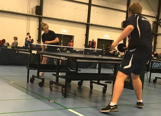 FINALEN: Thomas Moen mot Hampus Fredh i Junior C-finalen. (Foto:Daniel F. Grefsrud)