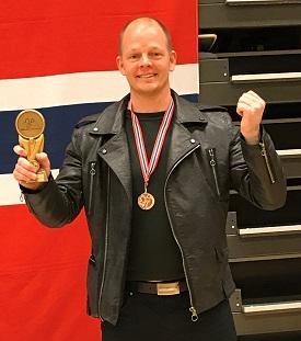 BRONSEMANN: Olof vant NM-medalje i sin første opptreden i 50-årsklassen.