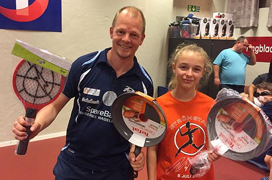 VINNERDUOEN: Olof Götestam og Kaja Jensen vant hver sin Tefal-stekepanne i kveld.